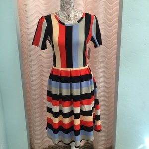 NWT LuLaRoe Amelia Dress w/ Pockets